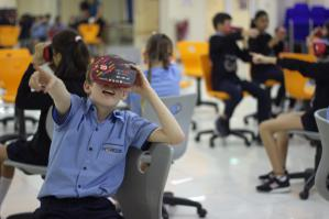 Virtual Reality Augmented Reality Education in Classroom by VRXOne