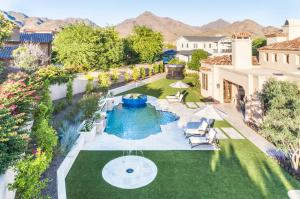 Luxury Pool & Spa Design by Liquid Evolution Pools in Scottsdale AZ