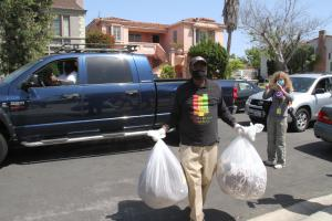 BHERC John Forbes collects blanket donations car side