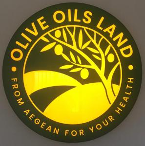 OliveOilsLand®  brings you an Olive Oil with low-fat saturation and with a burst of fresh Olives