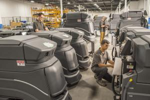 Technicians Build Avidbots Neo for Global Distribution