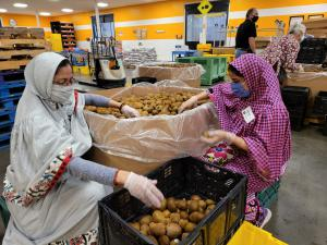 On World Food Day, Dawoodi Bohras all over the world provide food, financial support and volunteers to local food banks.
