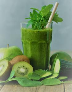 green juices  made from kale , green apple, abundant in polyphenol , they  active Sirtuins  genes