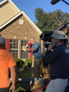 The crew gets ready to 'flip' a yard in just 8 hours using Florida-Friendly Landscaping principles