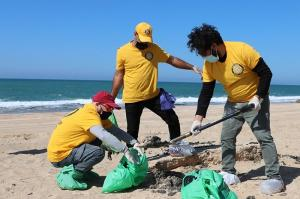 Israeli Scientologists joined in the cleanup of February's devastating environmental disaster where the entire Mediterranean coastline was flooded with tar.
