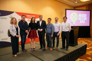2019 Indoor Ag-Ignite Startup Pitch Competition Winners On Stage With Judges at Indoor Ag-Con Asia In Singapore