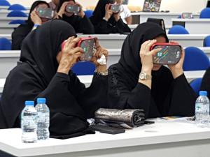 Educators immersed in Virtual Reality lessons with Google Expeditions