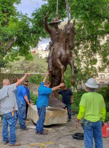 Installing The Messenger bronze monument at the Alamo
