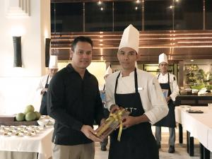 Winner of Good Taste Series Park Hyatt Siem Reap accepts his award