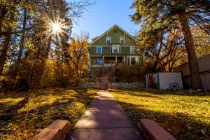 Bed & Breakfast Innkeepers of Colorado offers inns throughout the state